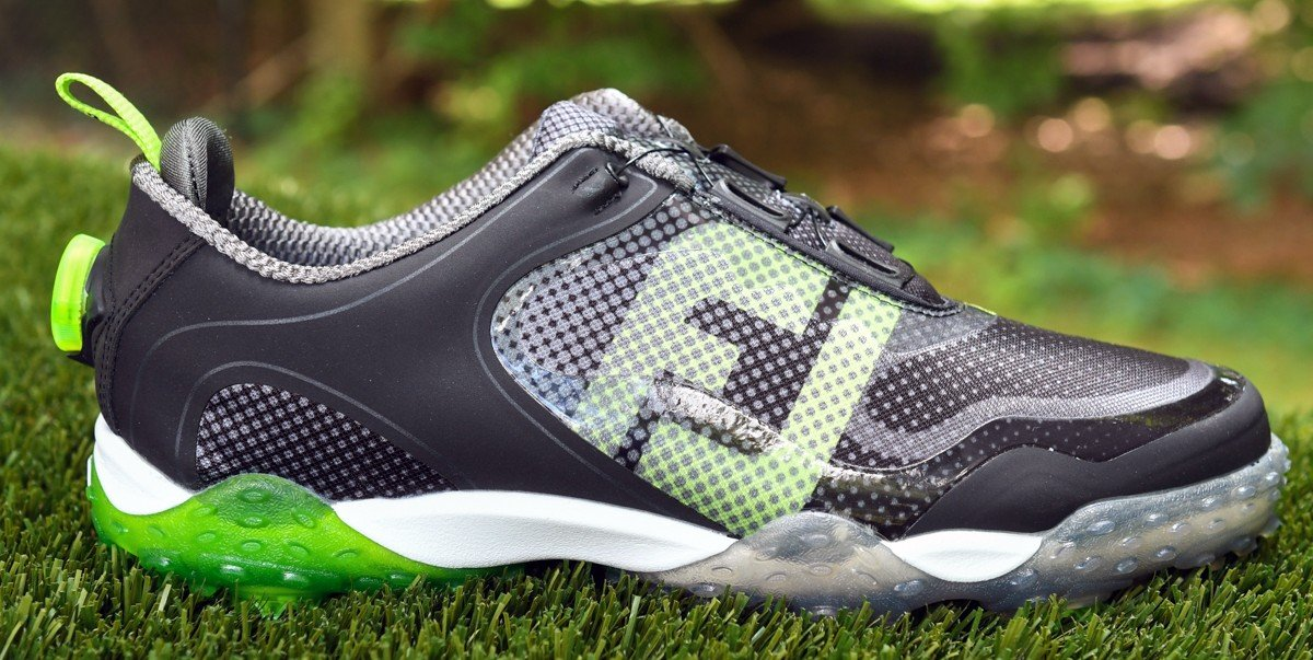 Golf Shoe With Spikes