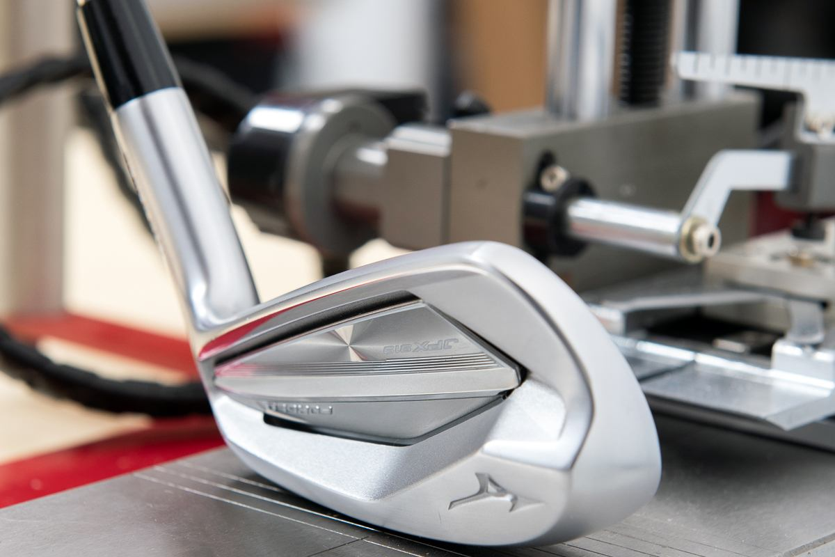 83ef9da5a504 Unlike the Tour model, the JPX919 Forged is constructed from Mizuno's 1025  Boron. The material is 30% stronger than 1025E, and that allows Mizuno to  make ...
